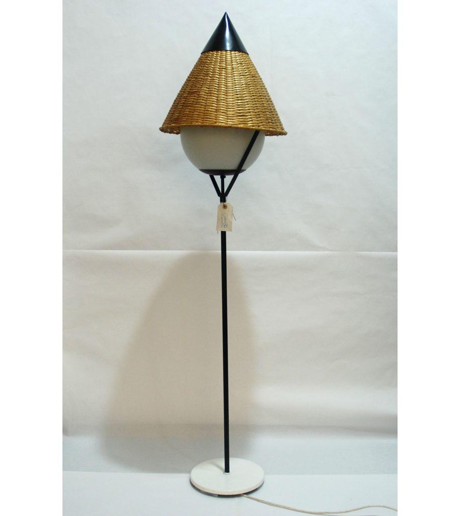 Lámpara de pie vintage de inspiración oriental
