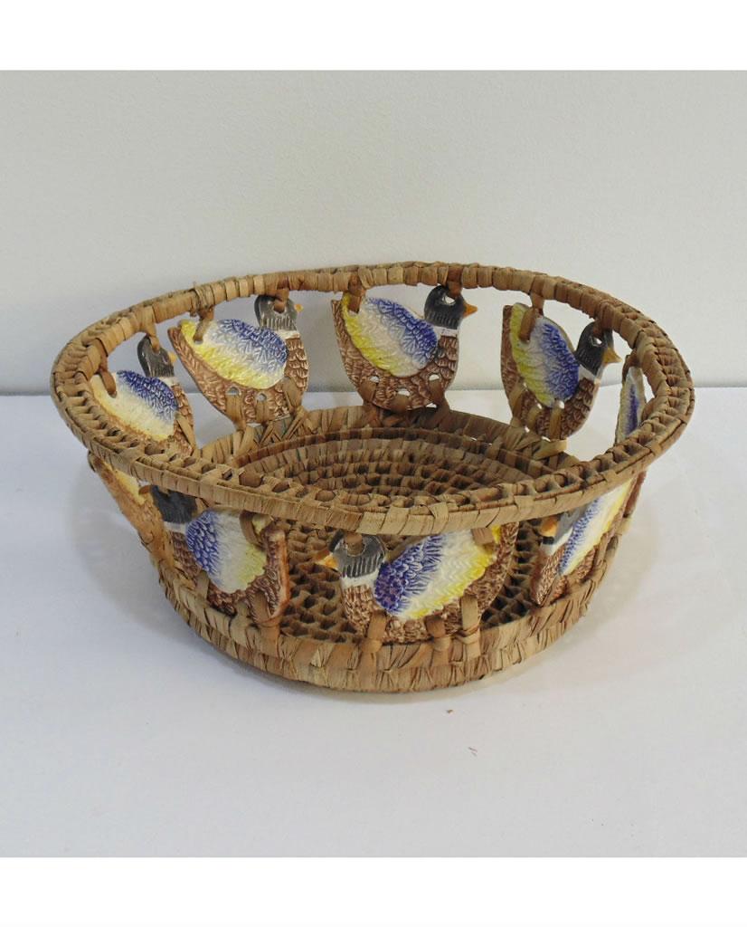 Panera de cerámica y ratán vintage
