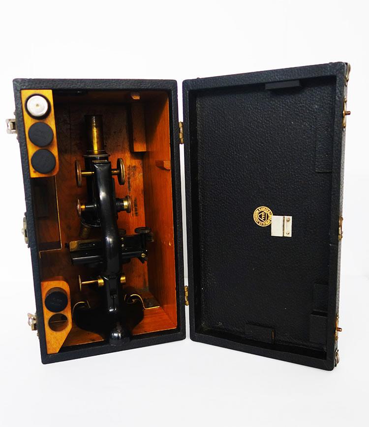 Microscopio antiguo Bausch & Lomb