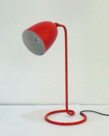 Lámpara de mesa vintage roja de aluminio