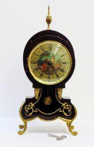 Reloj vintage estilo isabelino