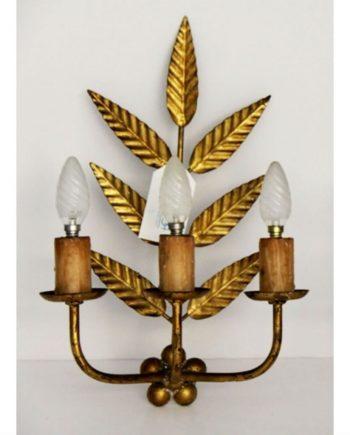 Apliques vintage de tres luces y hojas lanceoladas