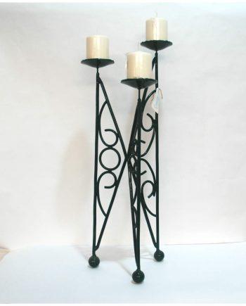 Candelabro vintage de hierro forjado de tres luces