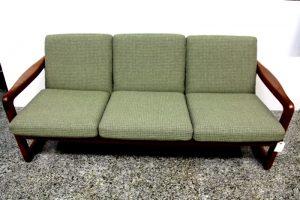 Sofa danés de madera de teca de la casa EMC