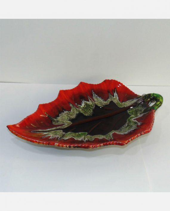Centro de mesa de cerámica en forma de hoja