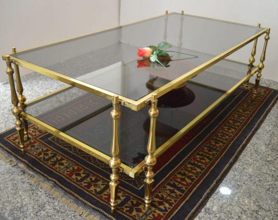 mesa vintage antigua de cristal