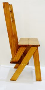 silla escalera. Mueble antiguo