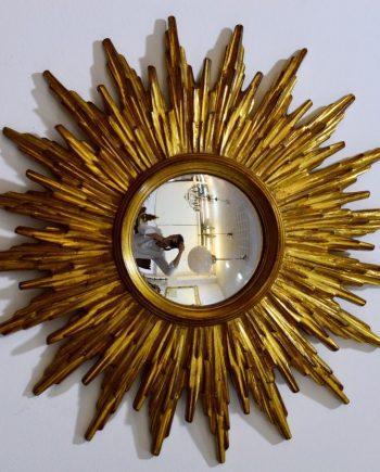 pequeño espejo vintage de preciosos rayos de madera