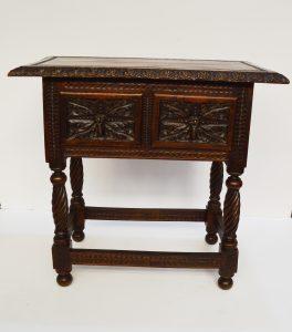 mesa auxiliar renacimiento español antigua