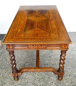 mesa descacho con marquetería. mueble antiguo