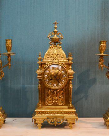 Reloj mesa estilo Catedral bronce con candelabros