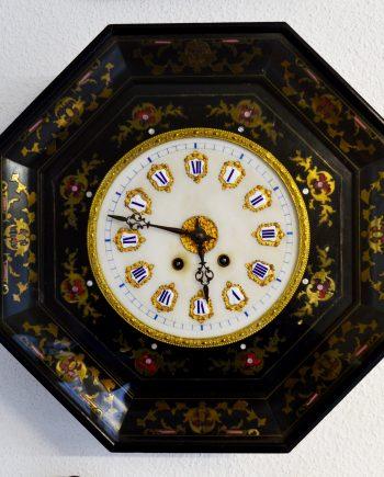 reloj antiguo con marquetería de pared