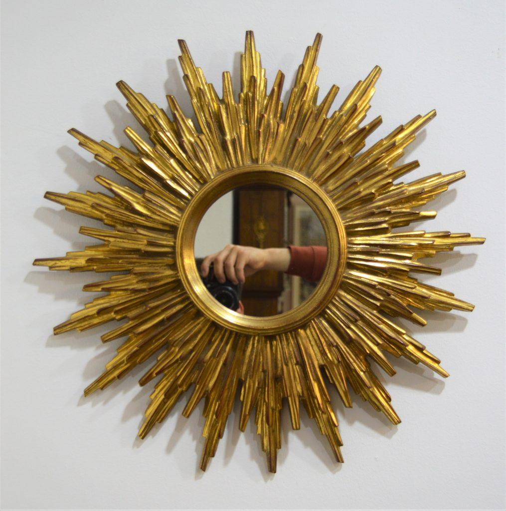 espejo sol pequeño vintage de madera a la venta