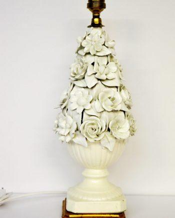 Lampara de mesa de manises blanca de flores pequeña preciosa comprar decoración